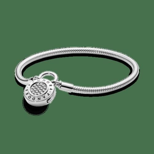 Brazalete de cadena de serpiente con broche de candado de pavé Pandora Moments
