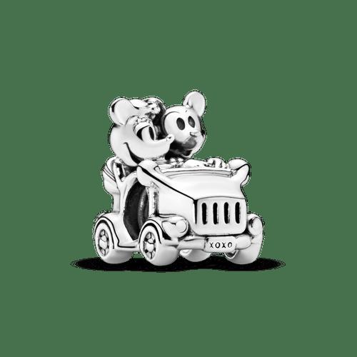 Charm Mickey y Minnie en auto clásico