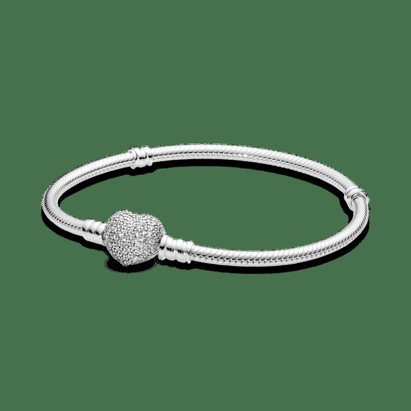 Brazalete Pandora Moments cadena de serpiente con broche de corazón  centelleante