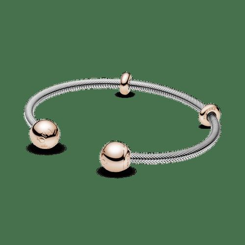 Brazalete abierto estilo cadena de serpiente de Pandora Moments Rose